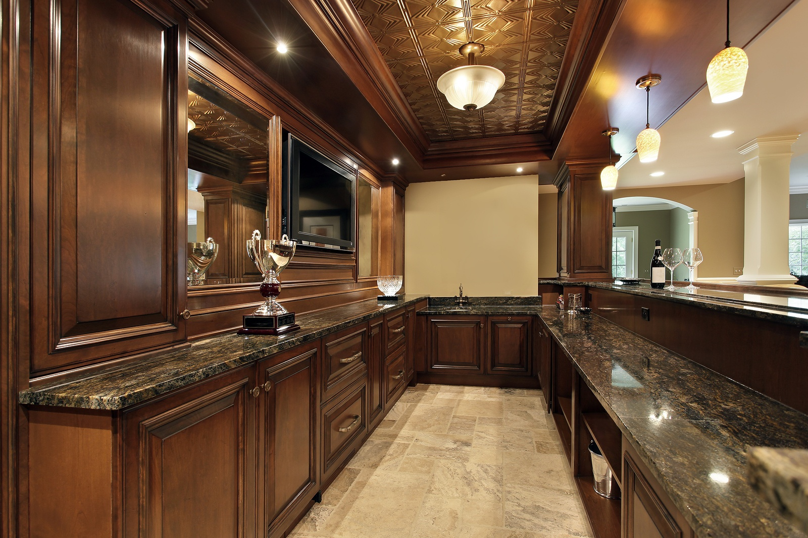 bigstock-Bar-in-basement-of-luxury-home-18131423.jpg