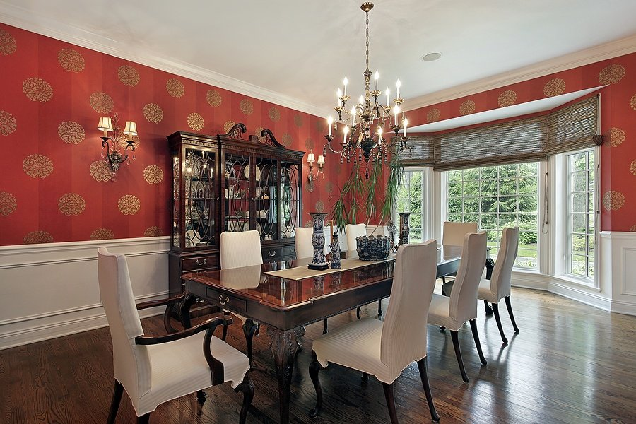 Create the Perfect Dining Space by Combining These Types of Lighting