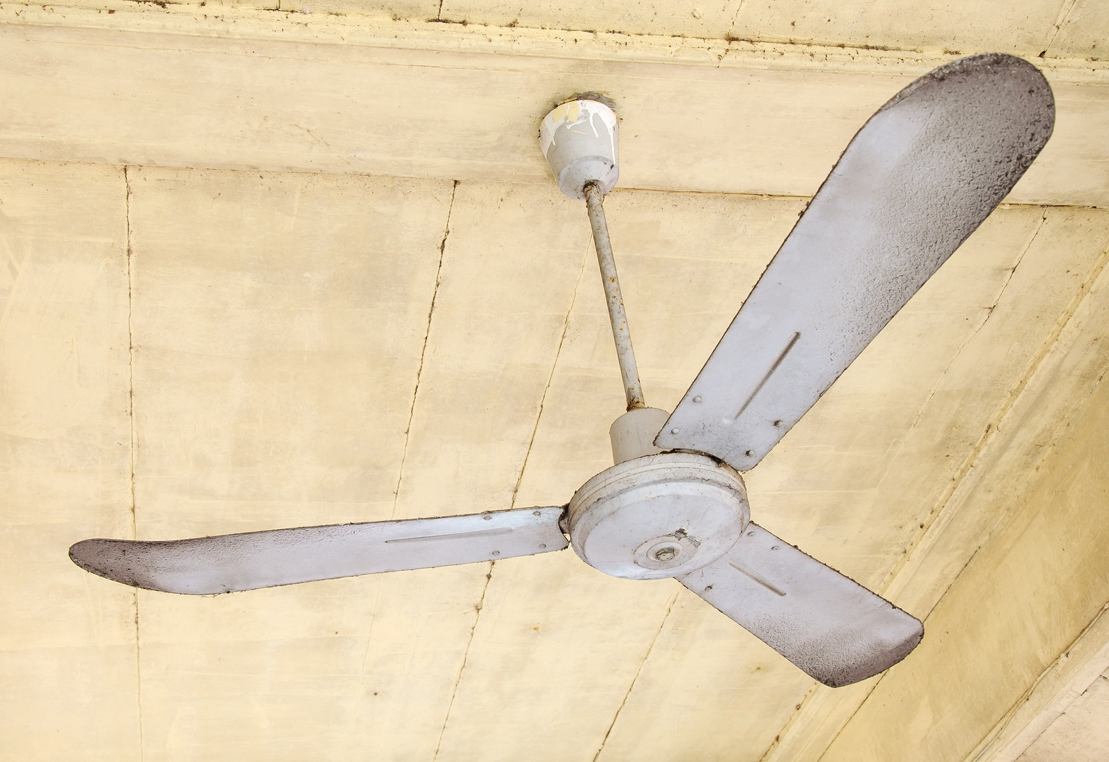 bigstock-Dirty-Ceiling-Fan-32910026.jpg