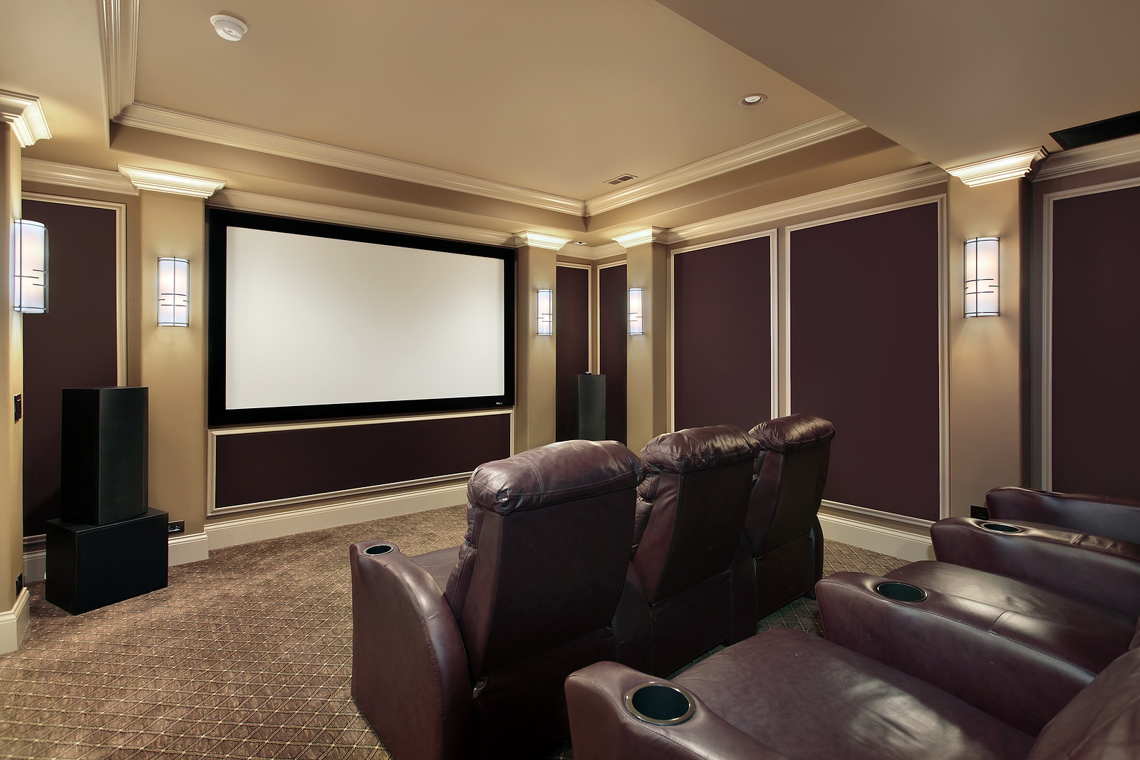bigstock-Theater-Room-With-Lounge-Chair-7213629.jpg