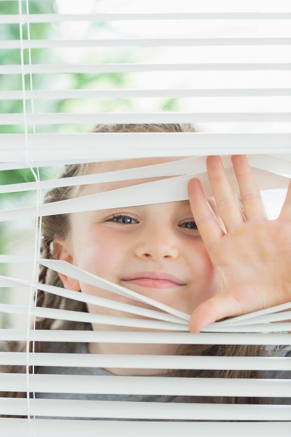 kid&blinds.jpg
